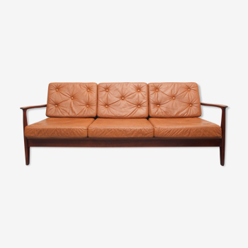 1960s sofa/daybed in teak and leather