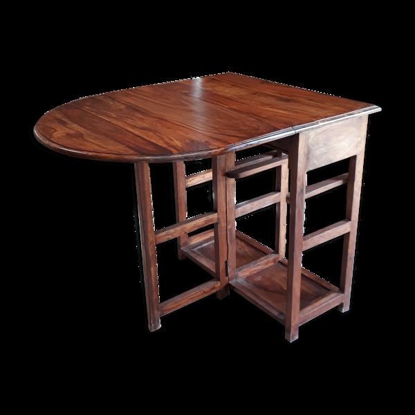 Table scandinave en bois massif