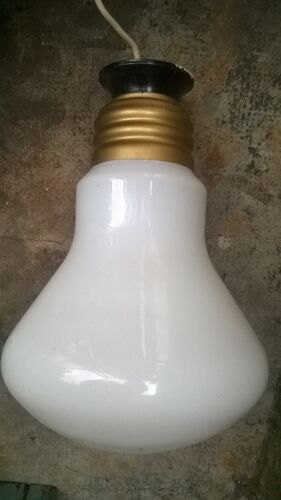 Suspension ampoule vintage