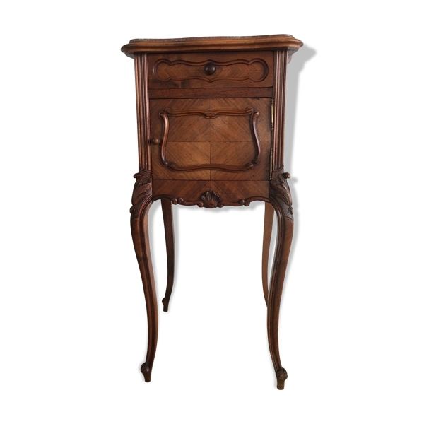 Selette table de chevet style Louis XV en bois marqueté et sculptés, avec un tiroir et une niche