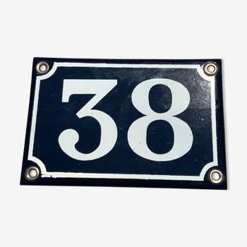 Plaque de rue en tôle émaillée bleue et blanche numéro 38