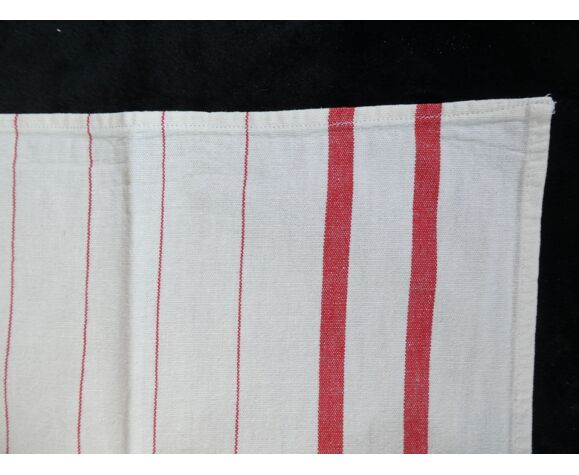 Lot of 5 old red bedding towels