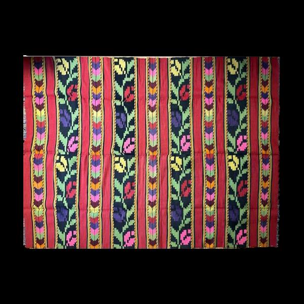 Tapis roumain de laine fond rouge avec des tulipes colorées 248x164cm