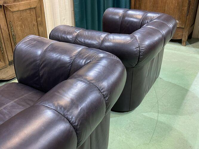Paire de fauteuils anglais en cuir des années 1980