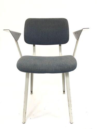 Chaise vintage Friso Kramer Revolt Ahrend de Circle