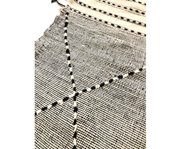 Tapis kilim berbère marocain zanafi écru et noir 190x147cm