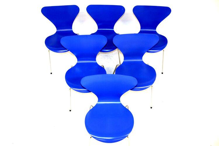 """Set de 6 chaises """"modèle 7"""" Arne Jacobsen pour Fritz Hansen, Danemark, 1994"""