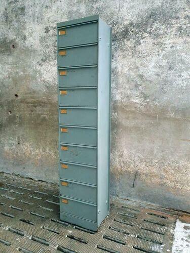 Armoire à rabat vintage gris