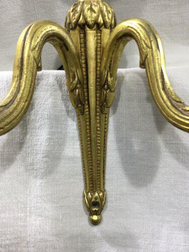 Paire d'appliques Louis XVI Bronze