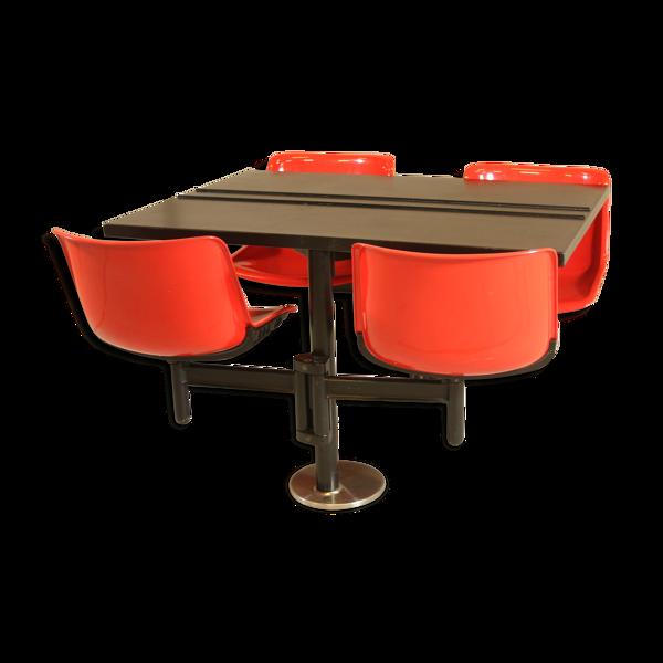 Table moderne Osvaldo Borsani pour Tecno et 4 chaises intégrées, années 1970