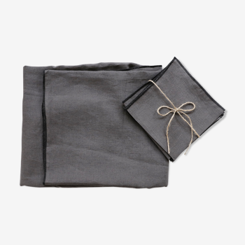 Anthracite linen tablecloth and towels