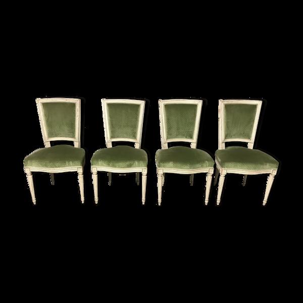 Suite de 4 chaises de style louis XVI en velours vert