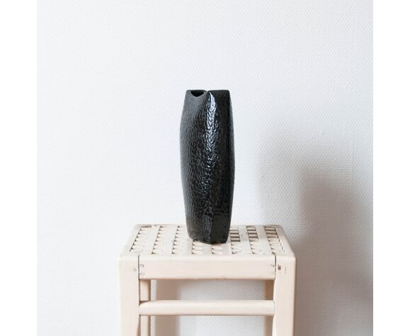 Vase noir en céramique , effet craquelé