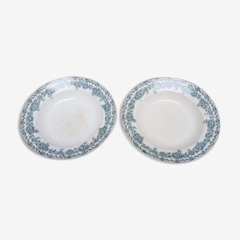 Paire d'assiettes creuses de la faïencerie de Saint Amand collection Argenton