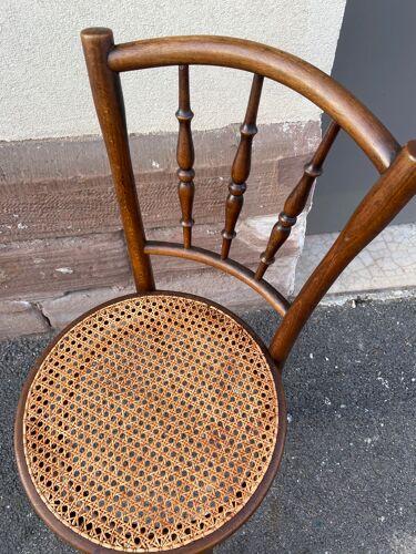 Chaise bois courbé Thonet vintage
