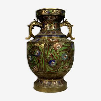 Vase en bronze cloisonné à décors de fleurs en couleurs