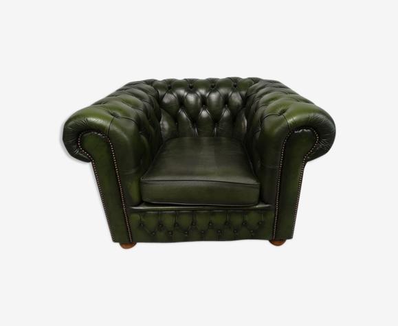 Fauteuil Chesterfield cuir vert vintage