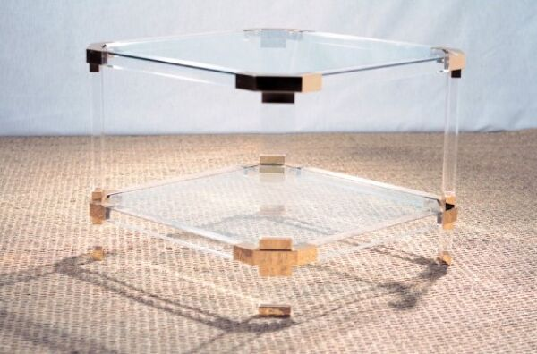 Bout de canapé ou table d'appoint en plexiglas et verre - 1970