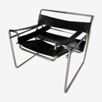 Fauteuil Wassily B3 en cuir noir Marcel Breuer,  Bauhaus 1970