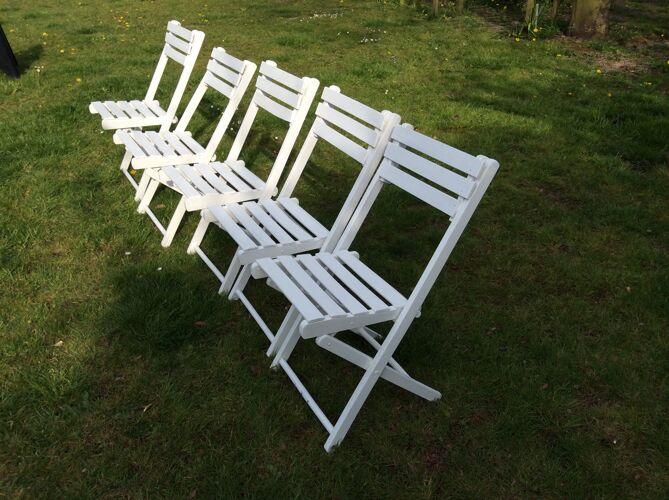 Série de 5 chaises de jardin en bois