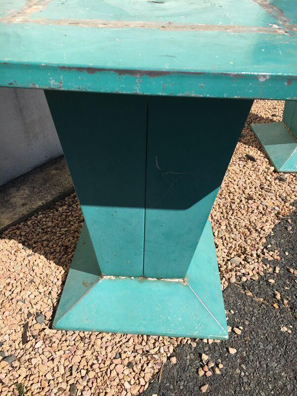 Paire de table en métal tolix
