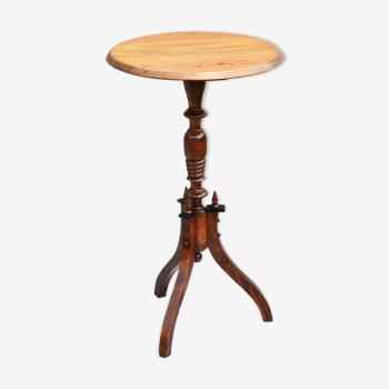 Table antique de lampe de piédestal suédois de pin du 19ème siècle