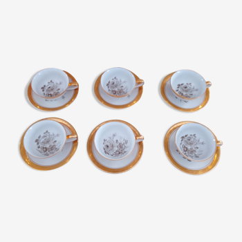 Lot de 6 tasses et sous-tasses en porcelaine décor roses sépia et dorure