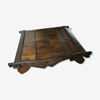 Table basse antique d'ancien chariot de chameau