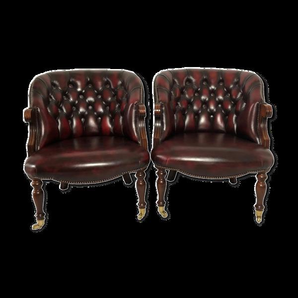 Paire de fauteuils anglais en cuir rouge
