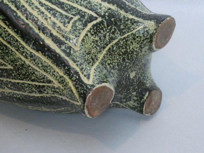Vase en céramique moderniste