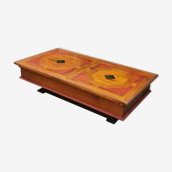 Table basse bar marquetée en bois exotique, numérotée