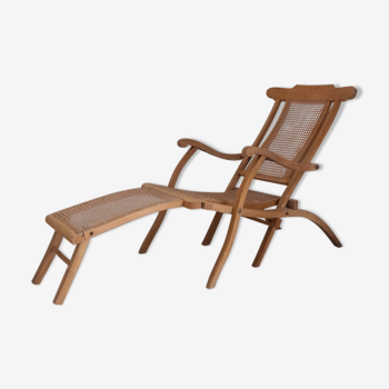 Wooden chaise longue and cannage