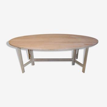 Table à manger en pin lavé à la chaux par Olof Pira
