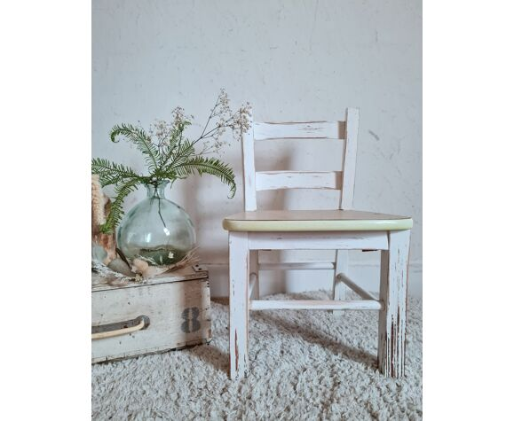 Wooden children's chair and 50s formica seating