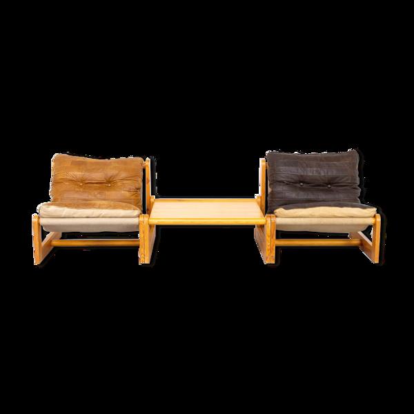 Fauteuil et table basse en cuir 1970