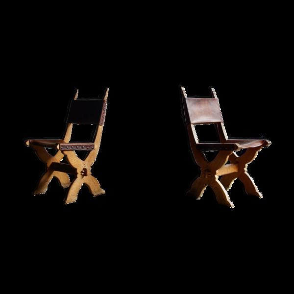 Selency Paire de chaises en cuir de style gothique