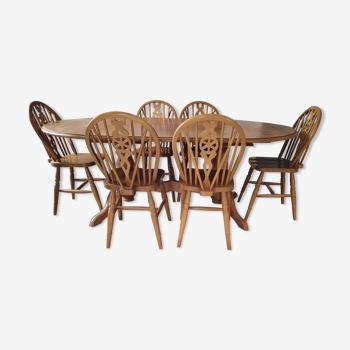 Table Interior's 6/10 personnes avec 6 chaises