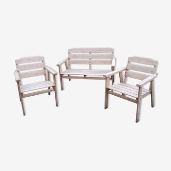 Salon de jardin suédois en bois : banc +2 fauteuils