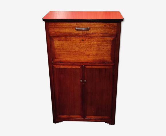 Buffet secrétaire parisien vintage étroit en bois et formica rouge