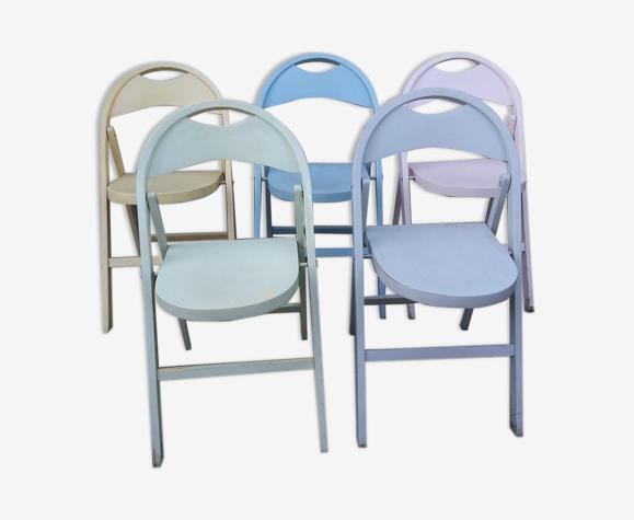5 chaises pliantes en bois