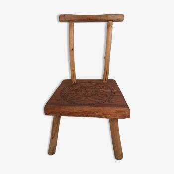 Chaise tripode enfant en forme branche de bois naturel