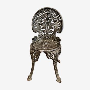 Chaise en fonte de fer noire