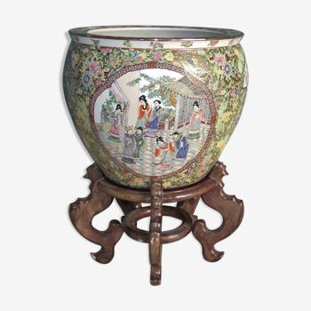 Cache-pot ou bassin en porcelaine de Chine famille Rose, circa 1970