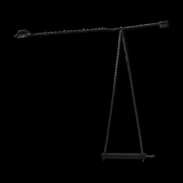 Lampadaire en métal peint en noir avec bras d'équilibrage