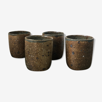 4 tasses en terre cuite