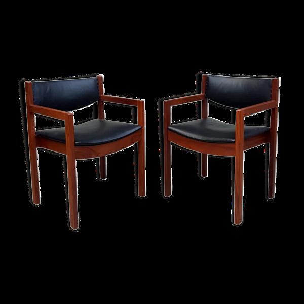 Paire de fauteuils en cuir rembourré par Gordon Russell