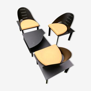 Ensemble de 3 fauteuils et d'une table basse