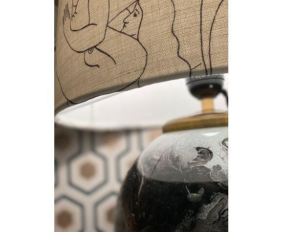 Lampe à poser pied boule en laque de verre