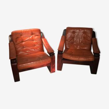 Duo de fauteuils ossature bois et cuir ocre