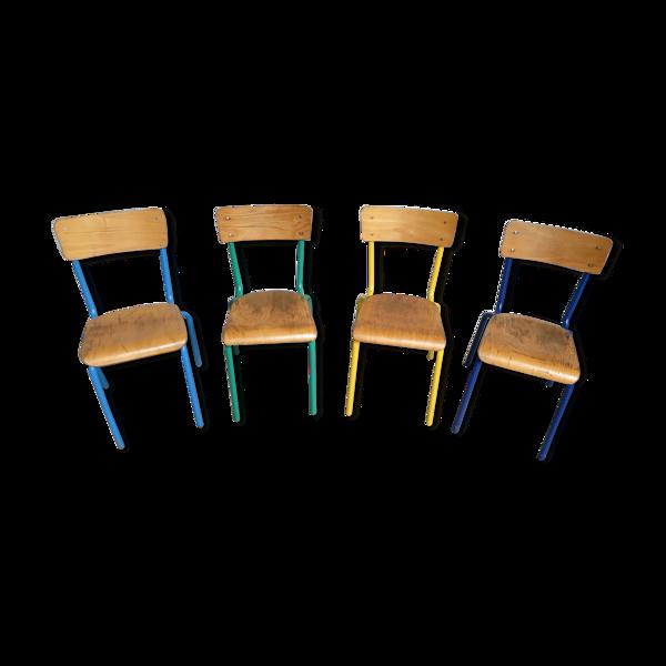 4 chaises d'école vintage de couleur